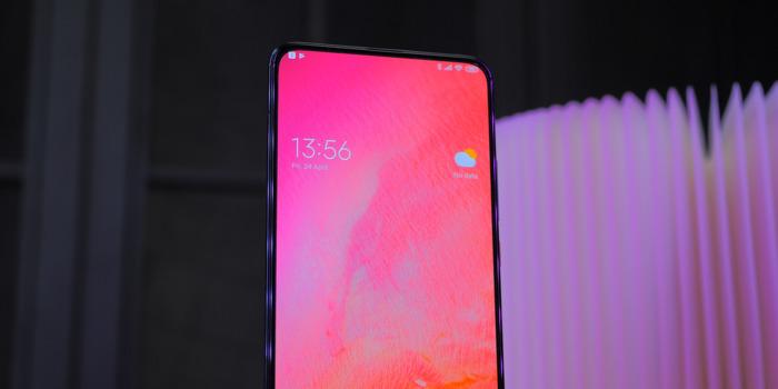 Xiaomi_Poco_F2_ProLicevaya_panel_bez_chelki