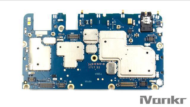 Xiaomi Mi Max 2 разобрали на части – фото 12