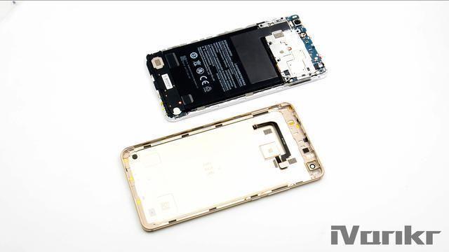 Xiaomi Mi Max 2 разобрали на части – фото 3