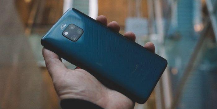 Huawei Mate 20 Pro может зарядить iPhone – фото 1