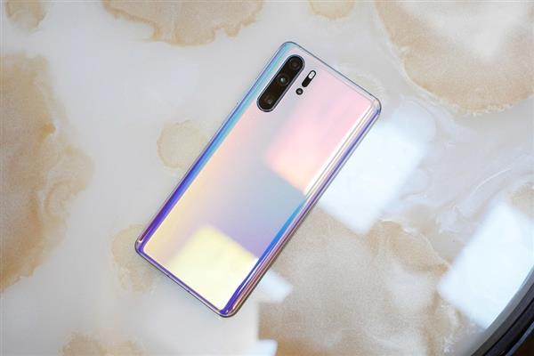 Эксперты подсчитали себестоимость камер Huawei P30 Pro, iPhone XS Max и Samsung Galaxy S10+ – фото 1