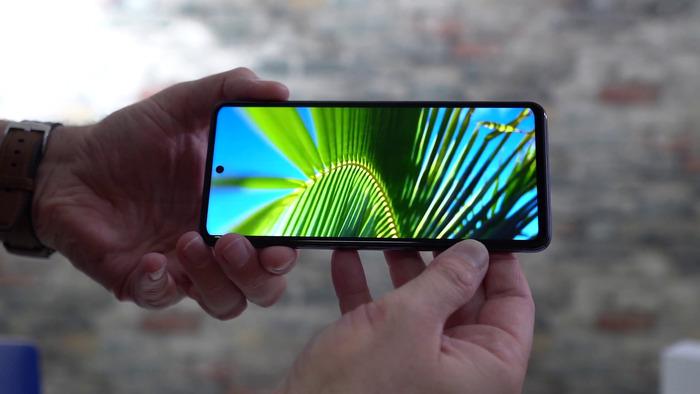 Xiaomi Mi 10T Lite обзор - пришел унижать POCO X3! – фото 8