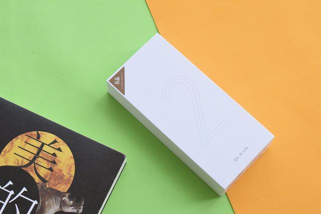Xiaomi Qin 2: самый неожиданный смартфон