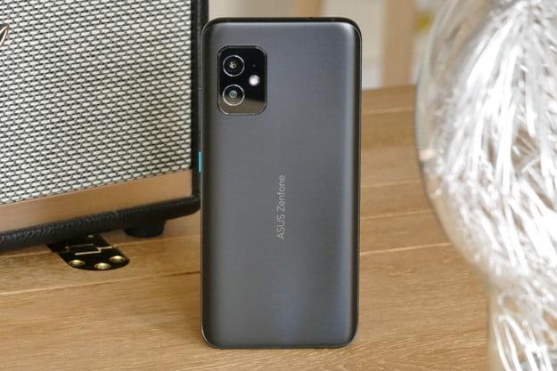 Asus Zenfone 8: флагман в компактном корпусе или отсечь все лишнее – фото 1