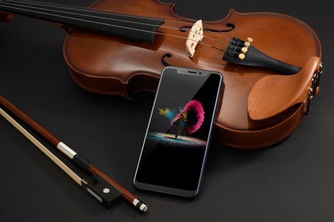 Представлен ZTE Axon 9 Pro: дизайн а-ля iPhone X, топовая начинка и большой аккумулятор – фото 2