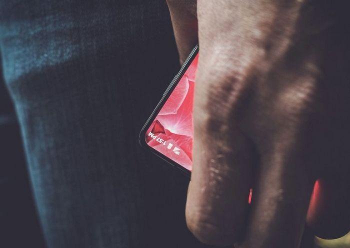 Создатель Android готовится анонсировать 30 мая безрамочный мощный смартфон – фото 1