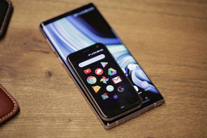 Представлен компактный смартфон Palm: привет из прошлого – фото 3