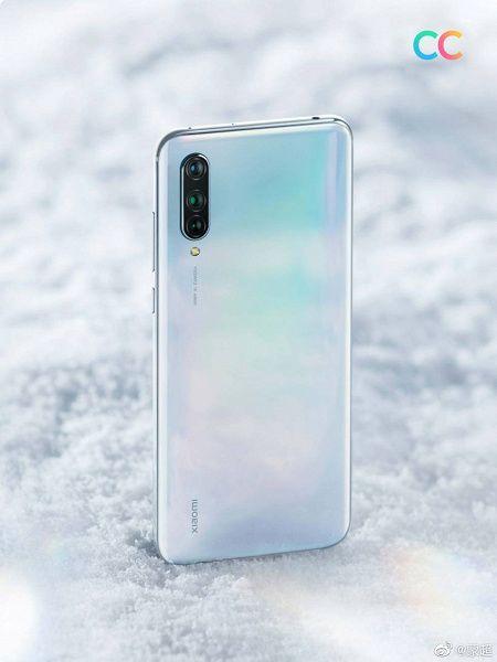 Показали Xiaomi CC9 в эффектной белой расцветке – фото 1