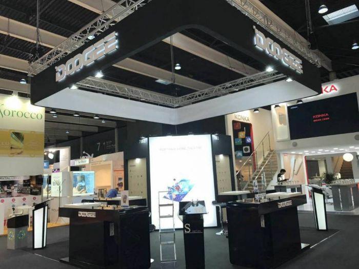 Doogee Y6 Max 3D с дисплеем 3D привезли на MWC 2017 – фото 2