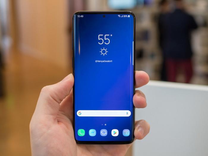 Показали Samsung Galaxy S10 с «кругляшом» под камеру – фото 1