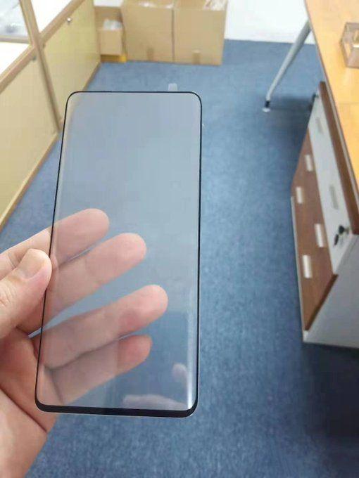 Xiaomi Mi Mix 4 показали на видео. Появились фото защитного стекла – фото 2