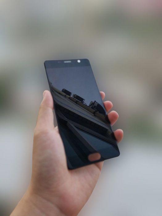 В сети появились фото дисплея Elephone P9000 Edge – фото 3