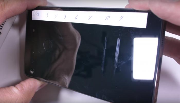 Essential Phone проверили на прочность – фото 2