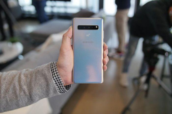 Семейство мегафлагманов 2019 года Samsung Galaxy S10 представили – фото 13