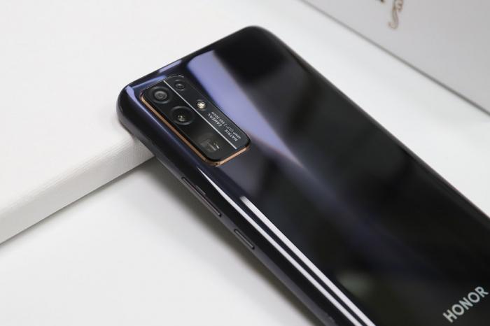 Смартфоны Honor получат HarmonyOS 2.0. Названы претенденты на новую операционку – фото 1