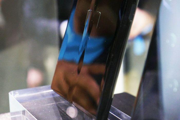 Huawei Mate X впечатляет, но идеален ли он? – фото 1