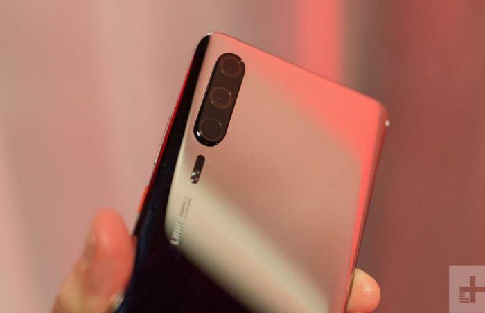 Внимание, фейк: фото Huawei P30 Pro с выставки MWC 2019 – фото 1