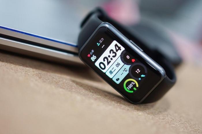 Xiaomi Mi Band 6 или Huawei Band 6: какой купить – фото 2