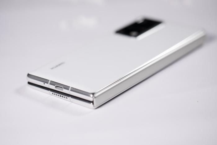 Представили складной Huawei Mate X2 – фото 6