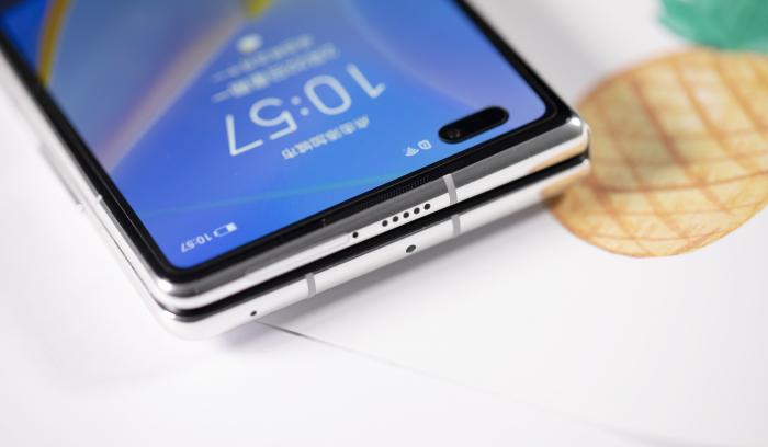 Представили складной Huawei Mate X2 – фото 5