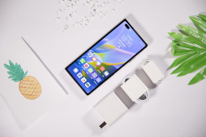 Представили складной Huawei Mate X2 – фото 2