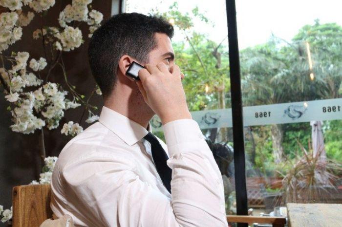 Vphone S8 самый маленький смартфон, где ради компактности пожертвовали многим – фото 3