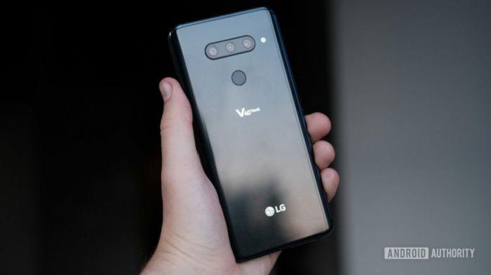 LG выпустила обновление для LG V40 ThinQ с исправлением ошибок в работе тройной камеры – фото 1