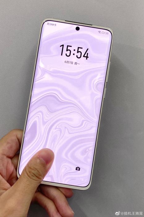 Meizu 18 Chinese White Dolphin Rare Edition предложил белую переднюю панель – фото 4