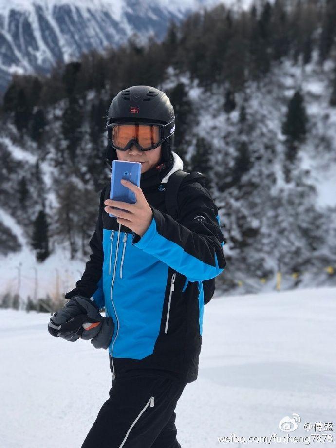 Xiaomi Mi Note 2 скоро и в голубом цвете? – фото 1