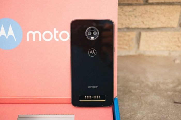 Изображения и характеристики Moto Z4 – фото 3