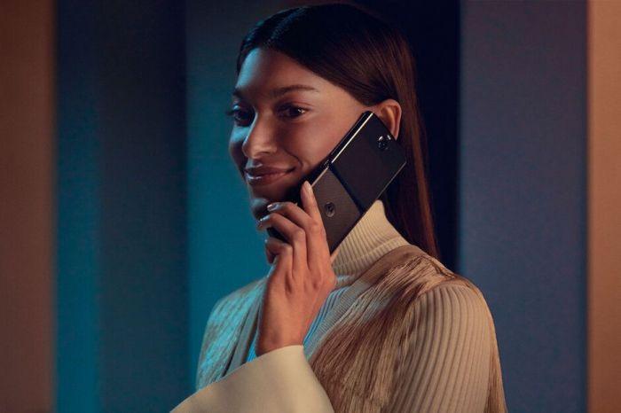 Сколько стоит замена гибкой матрицы Motorola Razr