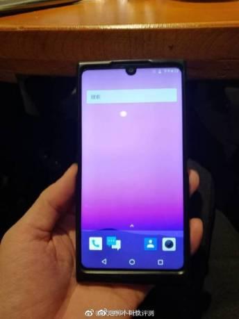 Безрамочный Nubia Z19 показал себя и напомнил о Essential Phone – фото 1