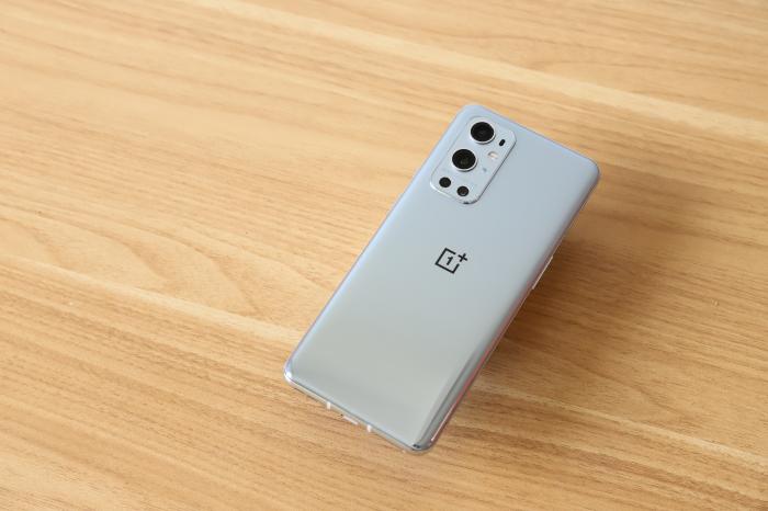 OnePlus позволит пользователям самим решать глушить производительность смартфона или нет – фото 1