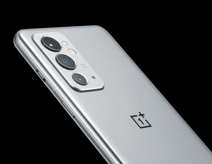 OnePlus 9RT появился на рендерах – фото 3