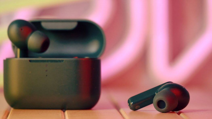 Низкая цена на Xiaomi Mi Watch Lite, наушники QCY и Redmi Power Bank – фото 1