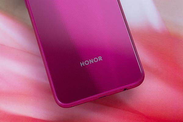 Анонс Honor Play 3: игровой смартфон без тормозов и микролагов в играх и интерфейсе – фото 4