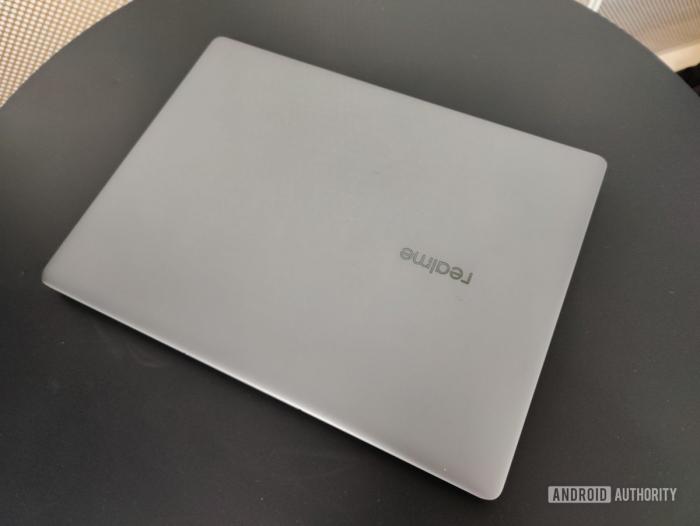 Фоточки и дата анонса ноутбука Realme – фото 4
