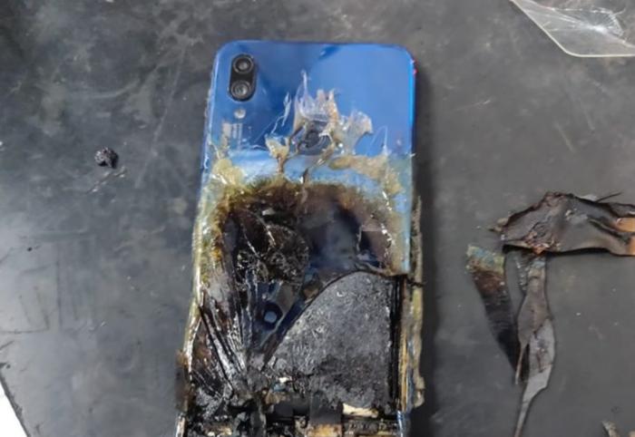 Redmi Note 7S горит. Компания отрицает свою вину – фото 1