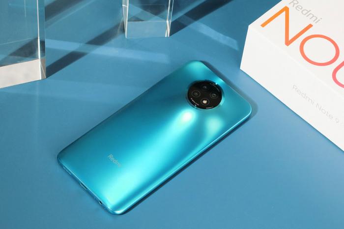 Скидки дня: Redmi Note 9T 5G, смарт-часы Amazfit Stratos и Amazfit Bip U, а также наушники 1MORE – фото 1