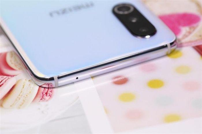 Анонс Meizu 16s Pro: мощная начинка и тройная камера – фото 4
