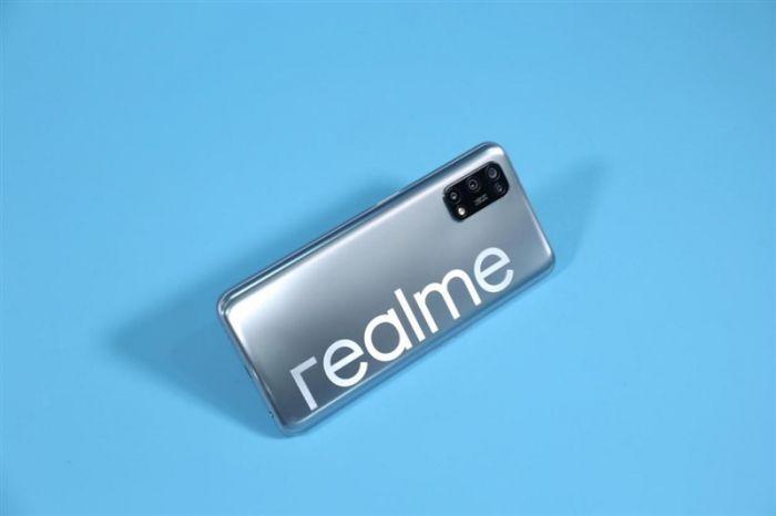 Анонс Realme V5: смартфон с 90-Гц экраном, емкой батареей и Dimensity 720 от $200 – фото 4