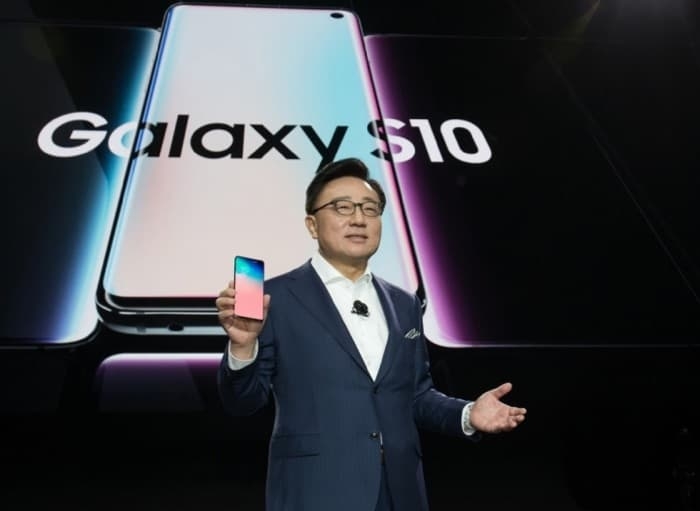 Samsung Galaxy S10: падение и взлёт – фото 1