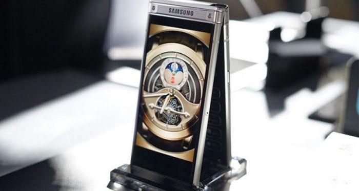 Топовая Android-раскладушка Samsung W2019 на видео – фото 1