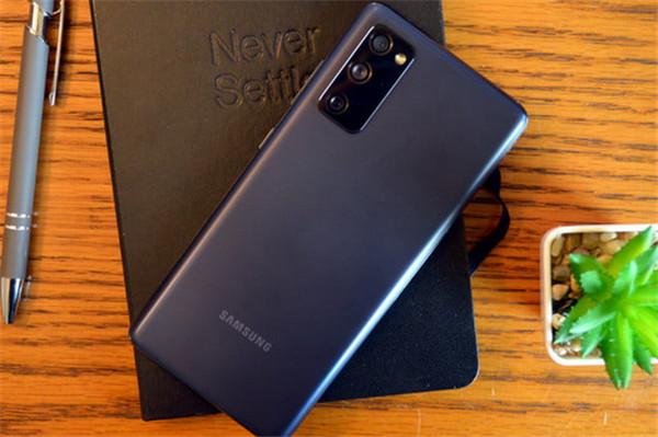 Скидки дня: Samsung Galaxy S20 FE, игровой ноутбук MSI и кабели YKZ – фото 1