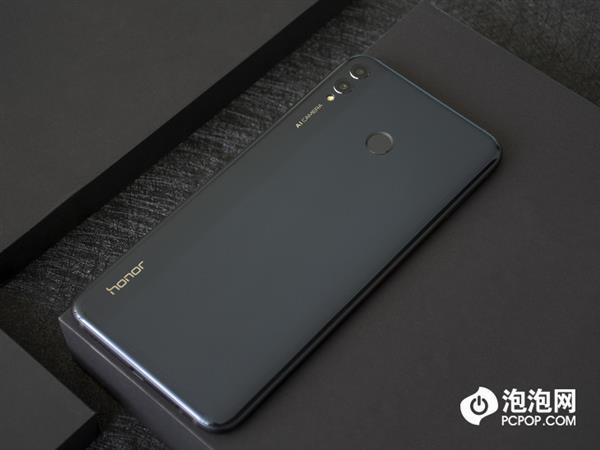 Представлен Honor 8X Max: неприлично большой смартфон с емкой батарейкой – фото 6