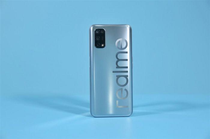 Анонс Realme V5: смартфон с 90-Гц экраном, емкой батареей и Dimensity 720 от $200 – фото 3