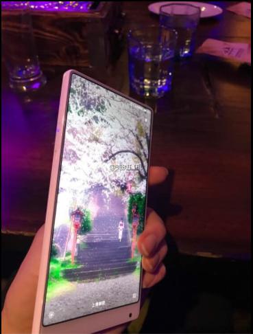 Xiaomi Mi MIX получит белый цвет корпуса – фото 2