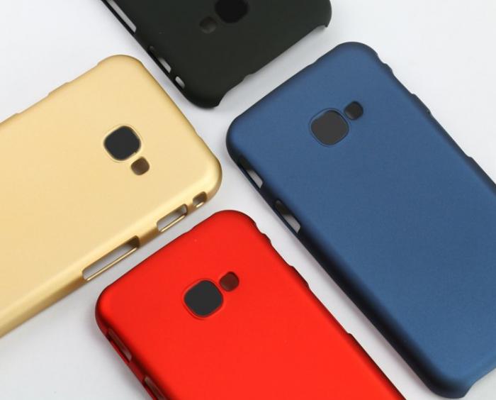 Появилось фото чехлов для Samsung Galaxy C10, опровергающее наличие двойной камеры – фото 1