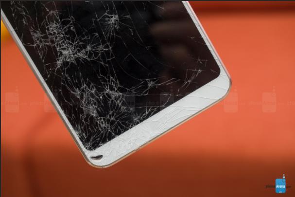 Кто кого: дроп-тест Samsung Galaxy S8 против LG G6 – фото 2