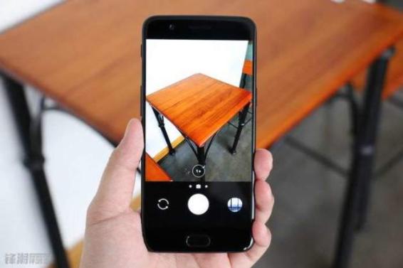 Директор по продуктам OnePlus заявил, что компания думает о создании безрамочного смартфона, рассказал о сотрудничестве с DxO и отказе от OIS – фото 4